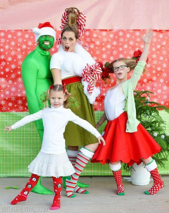 hilariously bad christmas picture outfits